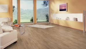 Những cách trang trí phòng khách sạn với sàn gỗ công nghiệp